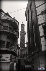 The minaret (Sam Petar) Tags: baghdad bw mobile huawei iraq minaret street photograph