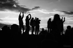 C'est la rentrée! (guillaumegesret) Tags: monochrome moment party night nice life light lifestyle lieu black blanc blackandwhite blackwhite noiretblanc bretagne white woman walk wife weekend miii city canon cute couple children street streetview streetphotogrpahie streetphotographer streetart structure style station streetphotography story dance