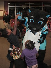 """thomas-davis-defending-dreams-foundation-thanksgiving-at-lolas-0056 • <a style=""""font-size:0.8em;"""" href=""""http://www.flickr.com/photos/158886553@N02/37042948331/"""" target=""""_blank"""">View on Flickr</a>"""