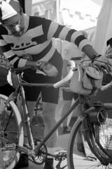 Old bike (vincdubeaujo) Tags: intrepida cicloturistica epoca eroica ciclismo bicicleta vecchia vélo bicyclette vintage cyclotourisme light shadowandlight ombre et lumiere regard pédale costume blackandwhite noiretblanc om1 olympus 50mm bianco nero