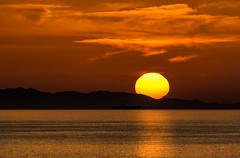 Setting sun (marypink) Tags: isoladelba golfodelviticcio tramonto sunset sun sea mare summer estate sky reflection nikond7200 70300mmf456
