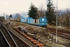 Arrochar & Tarbet, ldg logs Apr86 (Ernies Railway Archive) Tags: westhighlandrailway nbr lner scotrail arrochartarbetstation