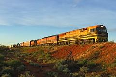 Take Crossing loop at Chandler (Aussie foamer) Tags: gwu004 gwuclass ge generalelectric ugl goninan geneseewyomingaustralia chandler southaustralia train railway locomotive rpausagwuclass rpausagwuclassgwu004