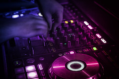 disk jockey (OnkelKrischan) Tags: dj veranstaltung dance disco diskothek party gisela hotcue diskjockey music musik feier mischpult board setup tune mix hegsas club