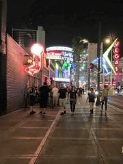 Vegas 8-'17 (74) (#swingen35photog) Tags: swingen35photog lasvegas lasvegasskyline fremontstreet fremontexperience vegas vegasdowntown vegasstreet citystreets citylife urbanstreets nevada streetphotography stevenpwingen