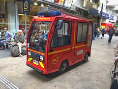 Simai Electric First Response Vehicle (barronr) Tags: simai electric emergencyvehicle medical ambulance fire 999 111 911 112 garemontparnasse paris france railway station trains