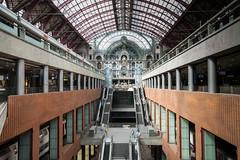 Central_station_Antwerp.jpg