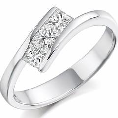 💎❤️ #voltairediamonds #fiance #fashion #gold #proposal #wedding #weddingday #weddingring #weddingdress #weddingjewelry #ring #rings #romance #rosegold #romantic #sayyes #silverjewelry #jewels #jewelry #jewelers #jewellery #jewelrydesigner #jewel (VoltaireDiamonds.ie) Tags: diamond rings engagement jewellery