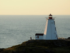 The Swallow Tail Lighthouse on Grand Manan Island (Bay of Fundy), New Brunswick (Ullysses) Tags: swallowtaillighthouse lighthouse phare grandmananisland bayoffundy newbrunswick canada summer été northhead ocean sea mer
