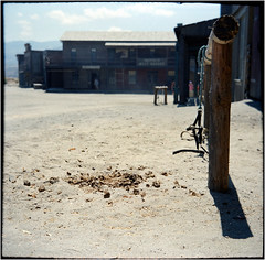 Fort Bravo V (Ulla M.) Tags: fortbravo westernstadt filmkulisse umphotoart andalusien spanien mittelformat 6x6 messgolf adox agfaoptima canoscan8800f balgenkamera selbstentwickelt selfdeveloped spain foldingcamera freihand analogue film ishootfilm