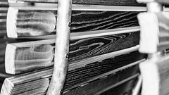 Natwood (*** Joe Wild ***) Tags: flickr bilder picture pics picoftheday photooftheday sony sonya7ii fotografie photography holz natwood thermoesche sitzbank bank bench bahnhof station arth goldau arthgoldau rigibahn rigi bahn schwarzweiss schwarz weiss black white blackandwhite blackwhite bw bnw kontrast graustufen