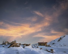Golden hour (Jay Daley) Tags: nikon nsw perisha thredbo winter australia sunrise camping snow alpine seamanshut hut mountain kosciusko