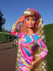 Barbie Totally Hair 25th Anniversary Repro (Dollytopia) Tags: barbie totally hair doll mattel long crimped blonde 90s nostalgia retro vintage reproduction superstar face portair outdoors summer
