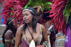 DSC_3812 Notting Hill Caribbean Carnival London Exotic Colourful Costume Showgirl Performer Aug 28 2017 Stunning Cleavage Décolleté Lady (photographer695) Tags: notting hill caribbean carnival london exotic colourful costume showgirl performer aug 28 2017 stunning ladies cleavage breasts décolleté