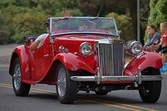 MG (swong95765) Tags: mg automobile parade car wave antique restored classic convertible sportscar ragtop vintage morrisgarages