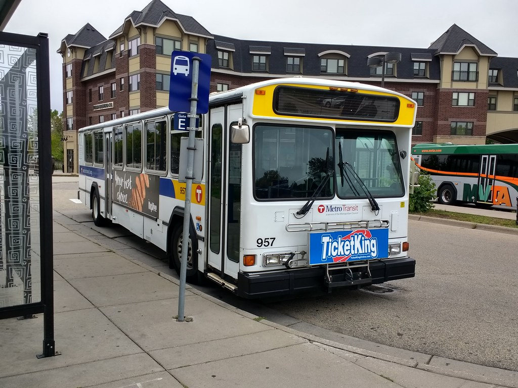 The World S Best Photos Of Gillig And Shuttle Flickr