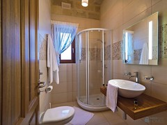 "bathroom 2 • <a style=""font-size:0.8em;"" href=""http://www.flickr.com/photos/159372303@N02/37109319862/"" target=""_blank"">View on Flickr</a>"