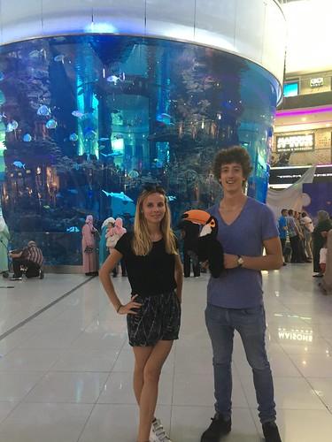 Devant l'aquarium du Morroco Mall !