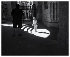 ChiaroScuro (oiZox) Tags: streetphotography shadows shade light monochrome mono blackandwhite bw bilbao vizcaya euskadi travelling passion city citta ciudad foto callejera urban zox zoximage orlando imperatore ombre e luci