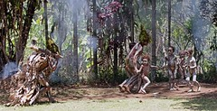 Kids chased away at cannibal show (kthustler) Tags: goroka singsing papuanewguinea tribes huliwigmen mudmen