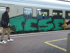 TESE (mkorsakov) Tags: dortmund hbf bahnhof mainstation zug train ic intercity graffiti piece bunt colored grün green tese