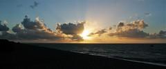 Les soleils couchants du Hourdel (baie de Somme) - 18/8/17 (jmsatto) Tags: soleilcouchant lehourdel baiedesomme mer ciel nuages