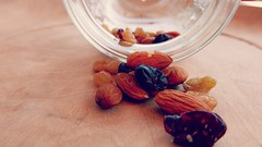 Staying Healthy (ghiro1234 [♀]) Tags: macromondays stayinghealthy restareinsalute macro hmm frutta fruttasecca mandorle nocciole bacche uvetta uvapassa uvasultanina ghiro1234 robertaghidossi