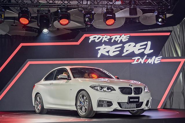 BMW2-12