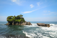 Tanah Lot temple on the sea in Bali, Indonesia (phuong.sg@gmail.com) Tags: architecture asia bali balinese beautiful buddhism building clouds culture exotic green hindu historical history holidays holly indian indonesia island jakarta java landmark landscape lombok lot nature ocean old oriental peaceful picture religion religious scenic sky sunset tanah temple tourist touristic traditional traditions travel tropical tropics vacation water