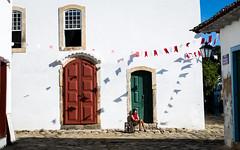 Rest - Paraty - Brazil (Luiz Contreira) Tags: paraty brazil brasil street streetphotography oldcity men southamerica américadosul fotografiaderua fotógrafosbrasileiros brazilianphotographer colors cores historiccity