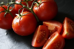 oranges are not the only fruit (quietpurplehaze07) Tags: fresh fruity red tomato quarters smileonsaturday waterdroplets freshandfruity