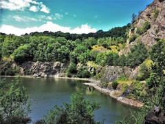 Gullet Quary - Castlemorton, Malvern Hills (Shaun Ballisat (Transport Photos)) Tags: views view malvern hills worcestershire worcester landscapes picturesque quarry quarrying castlemorton wild swimming rock formations spring water basin