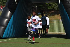 "thomas-davis-defending-dreams-foundation-0093 • <a style=""font-size:0.8em;"" href=""http://www.flickr.com/photos/158886553@N02/36371334803/"" target=""_blank"">View on Flickr</a>"
