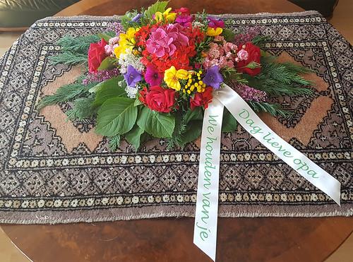 45mm offwhite rouwlint met groen bedrukt