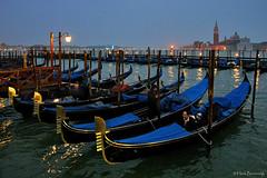 Venice: gondola moorings (Henk Binnendijk) Tags: gondola gondolier venice venetië italië italy boat water transportation rowingoar gondole italia