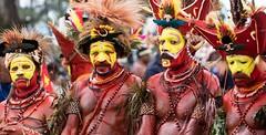 huli wigmen 4 (kthustler) Tags: goroka singsing papuanewguinea tribes huliwigmen mudmen