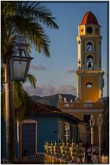Cuba 2016 - Trinidad (Ulster79) Tags: architektur haus himmel häuser kirche pflanzen turm architecture church clouds flora houses outdoor palmtree sky streetlamp sunlight tower trinidad sanctispíritus cuba cu