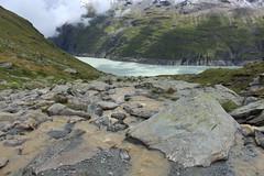 lac des Dix (bulbocode909) Tags: valais suisse valdesdix dixence hérémence montagnes nature lacdesdix lacs torrents nuages brume rochers vert bleu