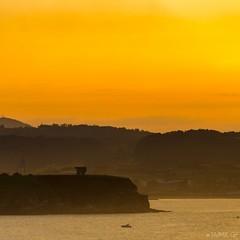 Gijón (Jaime GF) Tags: sunset landscape backlight coast sea contraluz elogiodelhorizonte gijón asturias spain nikon d7000