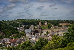 Martes de Nubes.- (Charo R.) Tags: martes de nubes bretaña francia castillo casas canon paisaje naturaleza