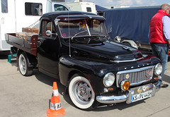 Volvo UTE (Schwanzus_Longus) Tags: technorama hildesheim volvo pv445 pickup pick up ute black car classic german germany swede sweden swedish truck utility vehicle vintage old auto fahrzeug outdoor