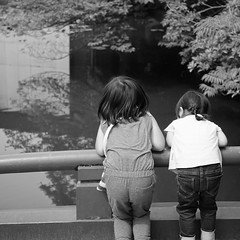 Kids without worry (calvinyjj) Tags: sony mirrorless tokyo japan asia fun travel holidays tree nature green leaves colors woods outdoor summer relax serene city night people citizen landscape creek water trail garden monochrome gate