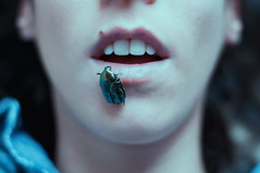 11/52. Libitina (Raquel Endless) Tags: dead death muerte escarabajo libitina mitologia romana mythology beetle lips mouth boca labios 52 weeks project proyecto 50mm nikon d5000 portrait selfportrait autorretrato retrato conceptual