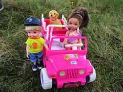 Girl Power 🚗 (flores272) Tags: toydog tommydoll kellydoll kellycar kellyjeep outdoors toy toys doll dolls barbie barbiedoll
