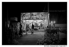 Marzamemi, 2017 (UmbilicusSiciliae) Tags: marzamemi siracusa pachino sicilia sicily italia italy regione isola mare estate festa giostre lunapark tiroasegno premi itinerante gente fumetto sera fujifilmx10 fujifilm ©fotoalessandrofazzi2017 alessandrofazzi bianconero biancoenero luci atmosfera island summer party carousel prize people cartoon atmosphere relax gioco blackwhite game blackewhite giostrai
