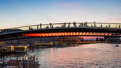 Ponte della Costituzione, Venetia (philia10) Tags: venice venetia italy bridge lightpainting dusk sunset lightroom canon canon70d people shadow ships harbour water