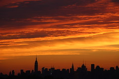 Aug 6, 2017 (ShellyS) Tags: sunset sunsets nyc newyorkcity manhattan queens skyline skylines clouds sky