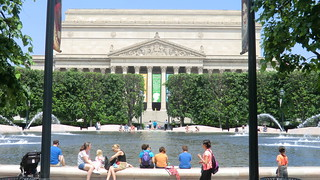 Washington D.C.:  water pleasure in front of the U.S. National Archive Building