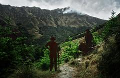 iron men 1c (Bilderschreiber) Tags: queenstown iron men working class heroes rost stain neuseeland newzealand südinsel southisland art kunst