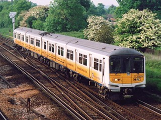 319004, Gatwick Airport, May 25th 2001
